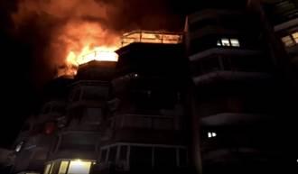 北投行義路公寓頂加起火 警消撲滅烈焰無人受傷