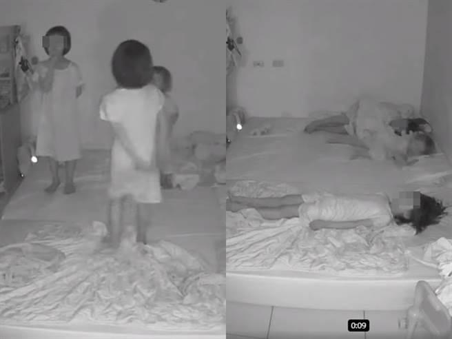 3女童站在床上跳舞時疑似聽到外頭聲響,竟以極為熟練的動作「1秒躺平」,有人筆直平躺床上,有人側躺還蓋好棉被。(翻攝自臉書「爆廢公社公開版」)