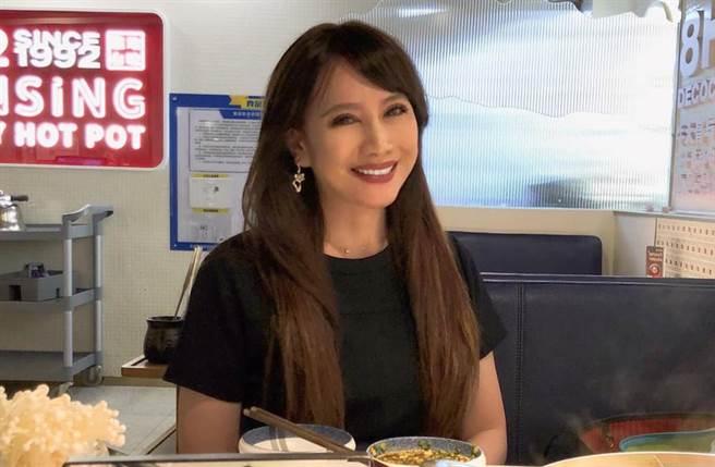 陳子璇近年把工作重心放在教學工作,並不時分享在深圳的生活日常。(圖/取材自陳子璇臉書)