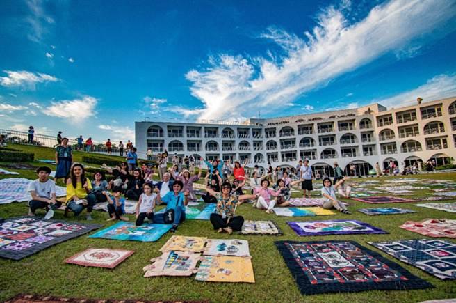 2020年草坡曬被藝術節活動照片。(主辦單位提供)