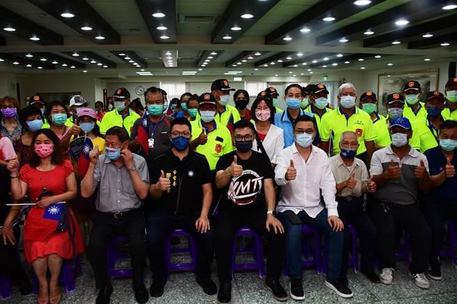 國民黨現任黨主席江啟臣今天下午到台東與基層黨員舉行座談。(莊哲權攝)
