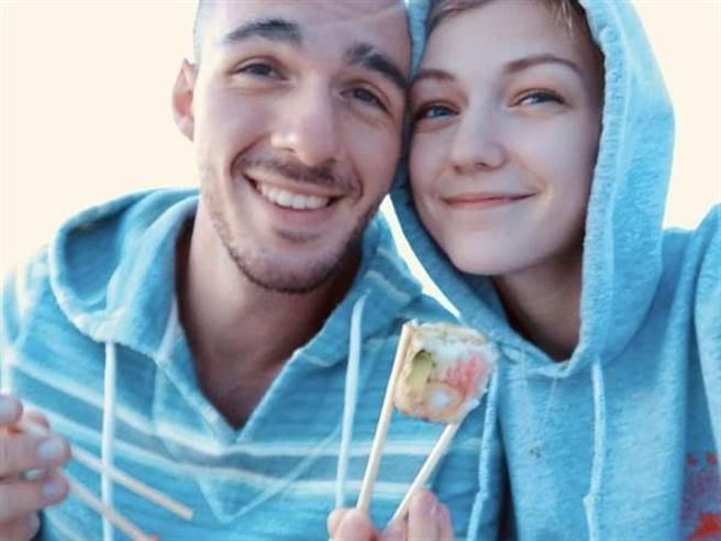 裴蒂托與未婚夫勞德里的合照看起來相當甜蜜,如今卻傳出疑死於情人毒手。(圖/路透)