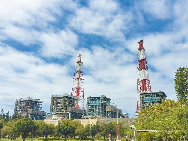 高市府環保局今年更新增興達電廠提前減煤對策,希望有效降低空汙的影響。(高市府環保局提供/洪浩軒高雄傳真)