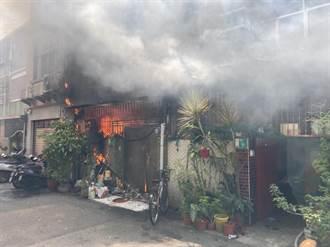 台南公寓大火 屋主女兒躲二樓幸運獲救