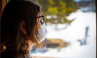 戴口罩悶出滿臉皮膚病 醫曝6招減輕症狀