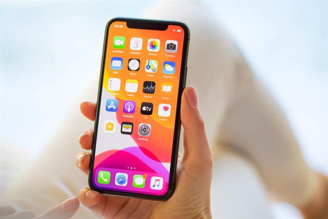 iPhone一定要裸機!果粉10大堅持行為,這就是信仰的力量。(示意圖/shutterstock)