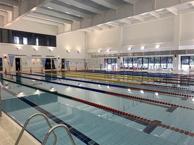 潭子國民暨兒童運動中心設有室內溫水游泳池。(台中市運動局提供/王文吉台中傳真)