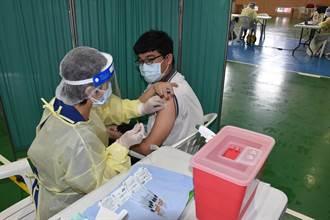 提早接獲中央撥配 苗栗縣興華高中率先施打BNT疫苗