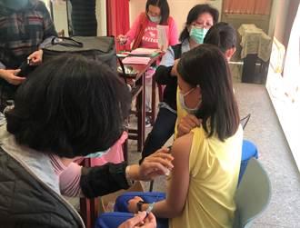 台裔青少年接種經驗  手痠微累寧打疫苗比檢測好