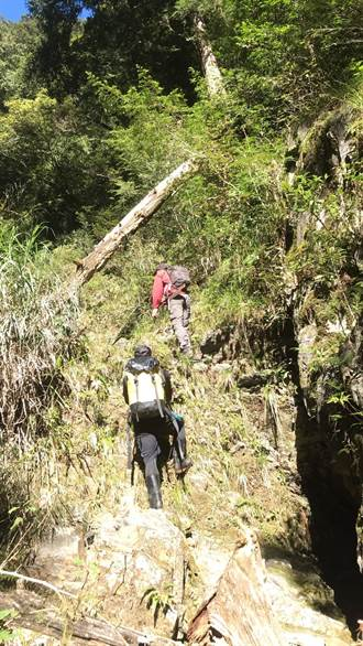 攀登白姑大山黃姓山友迷途 深谷溪溝中尋獲遺體