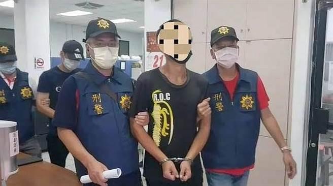 離島小金門在中秋節下午發生聚眾鬥毆事件,警方現場逮捕移送法辦。(警方提供)
