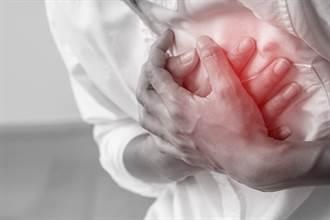 醫大生打莫德納釀心肌炎 吞8顆止痛藥無效 2大警覺救一命