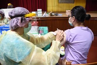 澎湖校園施打BNT首日 澎水職校745名學生輪流接種