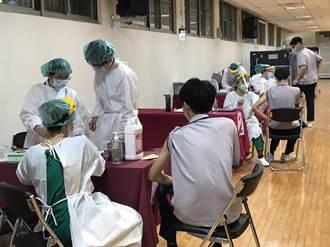 基隆校園首日接種BNT 少數學生不適出現2症狀
