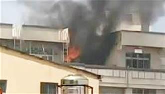 彰化6樓民宅頂樓烈焰狂燃 濃煙瀰漫夫婦緊急逃生