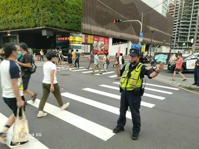 台中市警察局分析自9月17日至21日交通執法與事故發生件數相關性,今年和去年同期,交通發生事故明顯降低。(台中市警察局提供/張妍溱台中傳真)