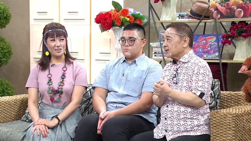 演藝圈模範夫妻檔小亮哥、林姿佑,帶著小兒子王瀚謙上《聽媽媽的話》。(年代提供)
