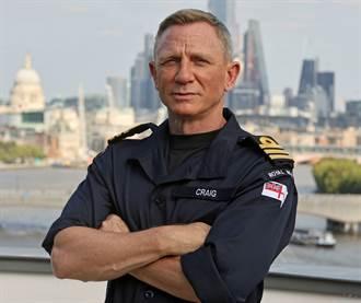 007丹尼爾克雷格獲封榮譽中校 英國海軍稱名符其實
