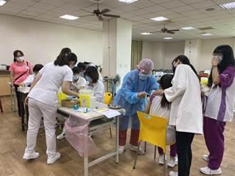 中市慈明高中開打BNT 7學生頭暈、胸悶急送醫