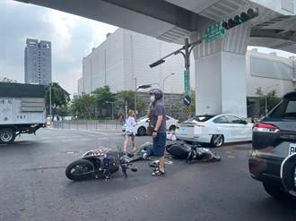 疑轎車違規左轉 台灣大道2機車騎士追撞受傷