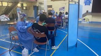 校園接種疫苗第2天 新竹縣長前往六家高中視察