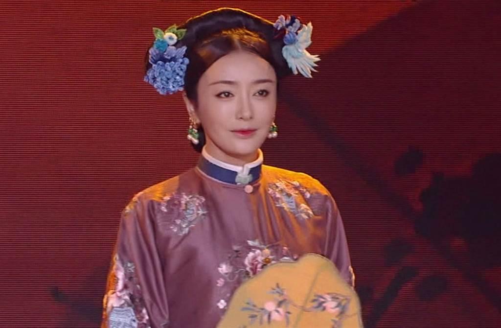 42歲秦嵐擁有凍齡美顏,又有最美皇后之稱。(本報系資料照)