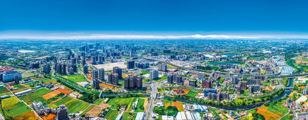 宏普深耕青埔,預期10月第1周將推出總銷近60億的「宏普画時代」的時代館、時尚館。(宏普提供)