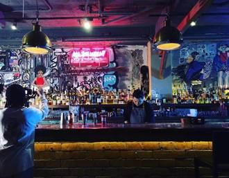 隱藏在居酒屋的酒吧 「Eside Bond」饒舌的靈魂用酒精還有音樂來發酵