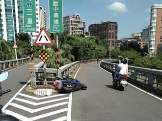 77歲翁騎車自撞重新橋護欄 離奇摔落橋下傷重不治