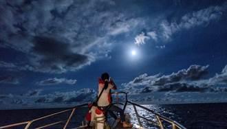 花蓮縣推天文旅遊 搭乘賞鯨船觀星賞月
