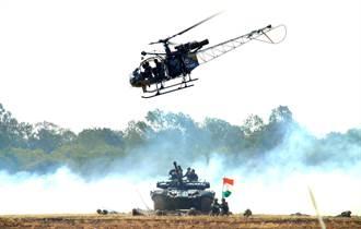 不只因為裝備破爛 印軍直升機2個月摔2架 專家曝飛官關鍵問題