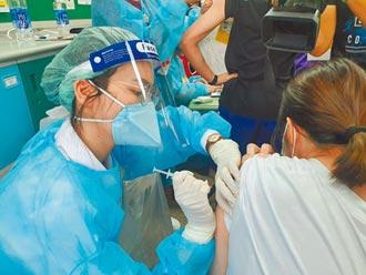 桃園打BNT第3天 2成學生請疫苗假
