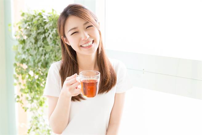 新興茶飲藏3大好處 富含營養素益源質助免疫。(示意圖/Shutterstock)