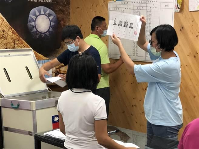 國民黨主席選舉,金門縣投票結果出爐,最高票的張亞中拿下824票。(李金生攝)