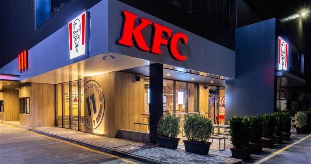 美國肯德雞因雞肉產品供應不足的供應鏈問題出現無雞可賣情況,不少其他同業也有類似狀況。(圖/肯德基)