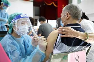 花蓮長輩接種第二劑莫德納疫苗 27日各鄉鎮同步開打