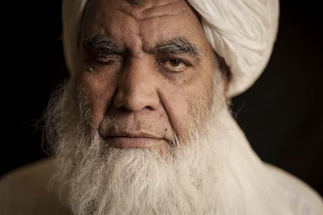 塔利班高階人物杜拉比(Mullah Nooruddin Turabi)23日宣布,將恢復實施死刑及截肢等極端處罰。(資料照/美聯社)