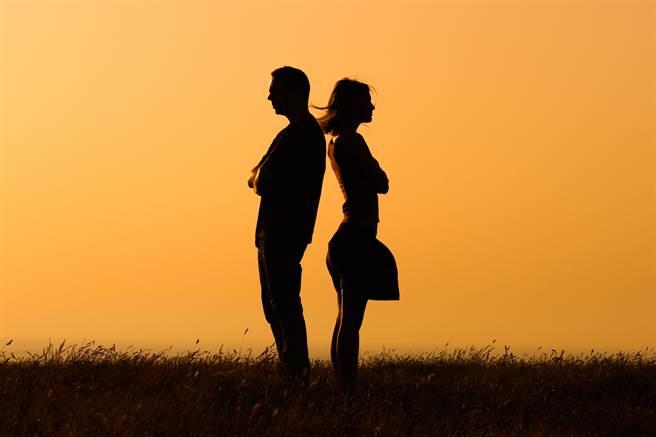 雙子座、巨蟹座、處女座和射手座情商比較低,在戀愛時常常讓另一半覺得心很累。(示意圖/達志影像)