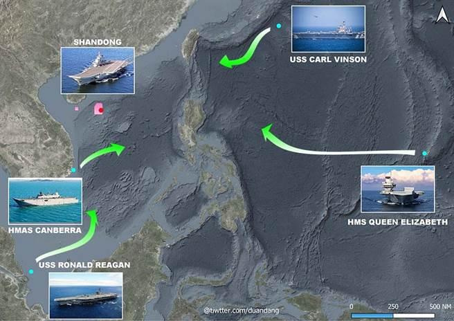 美國雷根號與卡爾文森號、英國女王號、澳大利亞坎培拉號將在南海聯合演習。圖為在南海周邊各航母戰鬥群的位置與未來動態,中國山東艦駐紮海南島,紅色部份為近日海上射擊演習區域(圖/推特@duandang)