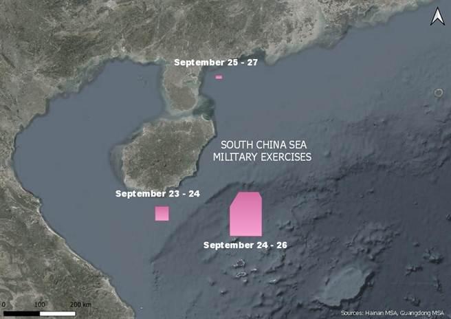 共軍近期擴大對台灣西南空域侵擾之外,也頻繁在南海進行實彈射擊演習。圖為共軍近日演習管制區域。(圖/@duandang)