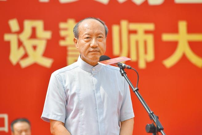 海航集團董事長陳峰因涉嫌違法犯罪,被海南公安依法採取強制措施。(中新社)