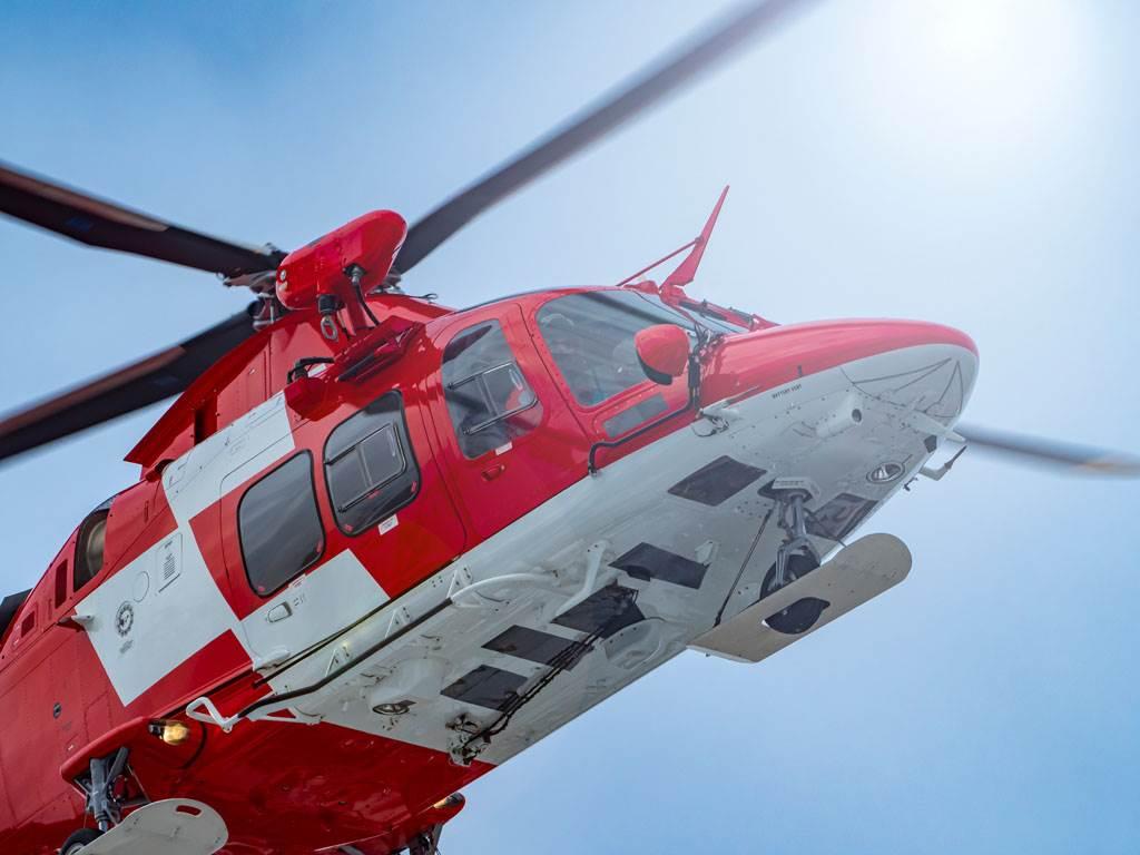 2男挾持直升機要去劫獄 機師一招讓劫匪嚇到跳機
