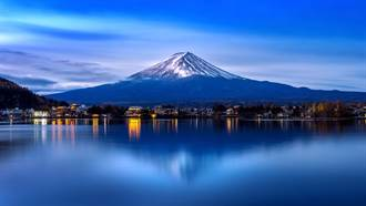富士山「初冠雪」 今年第二度宣布
