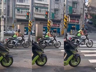 重機騎士綠燈起步「雙腳猛踏」 網笑:我家狗做夢時也會