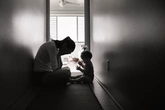 單親媽請假3天遭扣薪8千 曝處境「孩子在安置」網噴淚