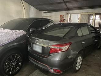 婦人開車錯踩油門 衝進民宅車庫