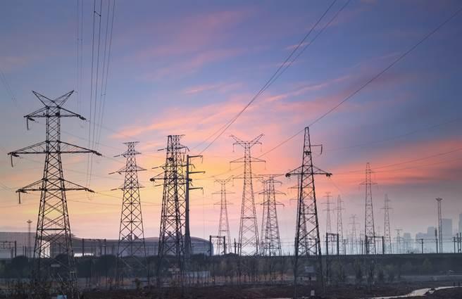 大陸採取大規模限電政策以達成碳中和目標。(示意圖/shutterstock)
