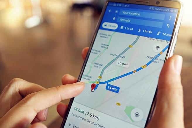 Google Map的即時路況功能引起網友們熱烈討論。(圖/shutterstock)
