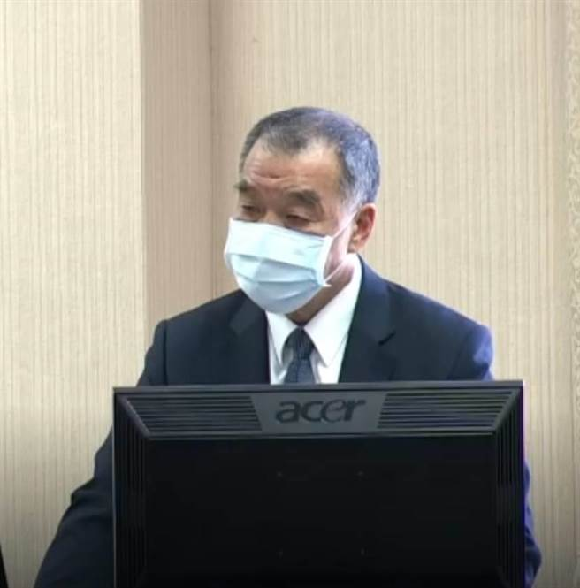 國防部長邱國正上午赴立法院國防委員會進行施政報告。( 摘自立法院)