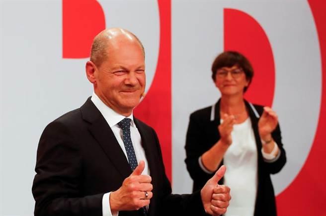 德國變天,左翼社民黨(SPD)以些微優勢贏得德國國會大選。圖為社民黨總理候選人蕭茲(Olaf Scholz)。(圖/路透社)
